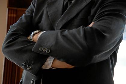 Små løgne bliver ofte tolereret og mange chefer er konfliktsky og undgår konfrontation, når en medarbejder bliver taget i at lyve.