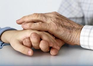Hvis du har vintertørre hænder, får du her hjælp til at pleje dem på den rigtige måde.