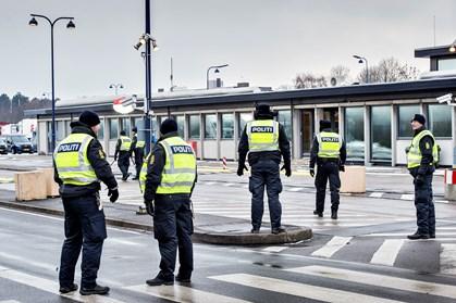 """I vejledning til politiet er """"vielsesringe og forlovelsesringe"""" undtaget fra beslaglæggelse fra asylansøgere"""