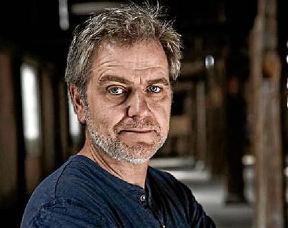 """Ole Bornedal tilbage til fødebyen Aalborg for at indspille komedien """"Dræberne fra Nibe"""""""