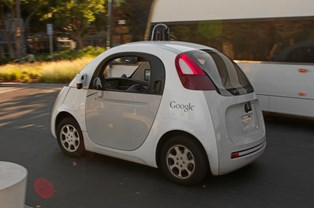 Google vil af med dig og mig bag rattet - for sikkerhedens skyld