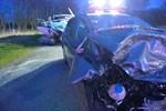 To biler kørt frontalt sammen