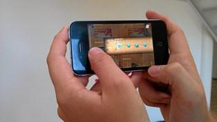 Regningen kan løbe løbsk, når børn spiller på mobilen eller tablet