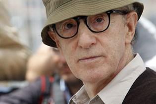 Woody Allen forguder sin unge kone