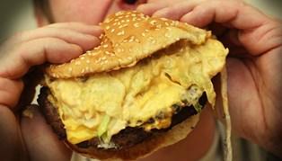 Undersøgelse fra Kræftens Bekæmpelse viser, at vi spiser mindre, når vi ved, hvor kalorierig maden er