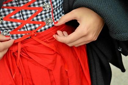 Skal du til oktoberfest, vil det være mere end oplagt at investere i et tyroler kostume.