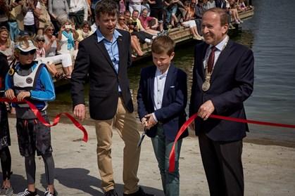 Ifølge far-Frederik klarede prins Christian sejladsen fortræffeligt