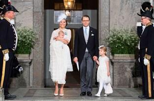 Se billeder fra det det svenske dåb
