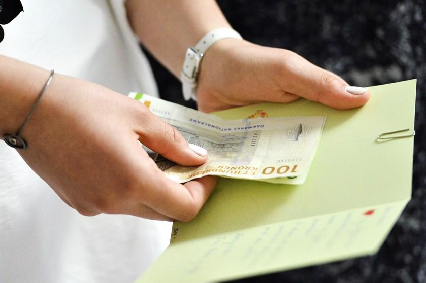 Bankerne tilbyder de nybagte konfirmander gunstige forhold