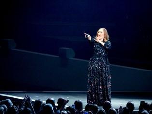 Adele glemte teksten til sang, mens hun var i gang med at synge den