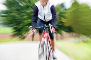 Billige mikrobiler og lukning af mindre skoler har ændret cykelvanerne uden for de store byer