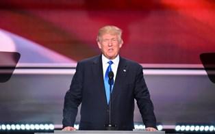 Også Adele, R.E.M. og Neil Young raser over Trumps musikbrug
