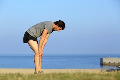 Boost din gode samvittighed over ikke at lade stå til, selv om sommeren måske kalder mere på hvidvin og afslapning end styrketræning og løbesko