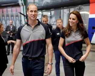 Prins William og hertuginde Kate rejser til Frankrig med dyrt privatfly
