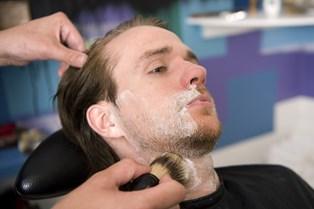 Dette simple trick skåner dig for skægpest efter barbering
