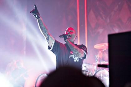Den populære rapper kan i år markere, at det er 15 år siden, han udkom med sit første album. Det fejrer han med koncerter og en opsamling