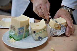 Migræne kan udløses af ost, bacon og chokolade