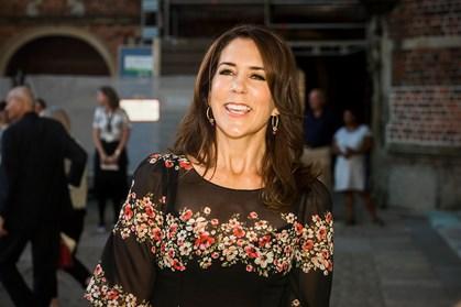 Den danske kronprinsesse er rejst til Grønland for at bremse vold i grønlandske hjem