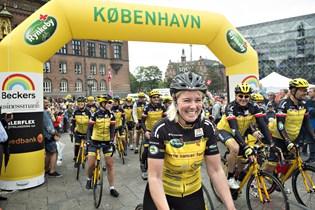 Cykelholdet Team Rynkeby donerer 43 millioner kroner til Børnecancerfonden, som skal bruges til forskning.