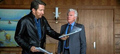 """Inden længe starter anden sæson af serien """"Bedrag"""". Her er stjernernes egne favoritserier"""