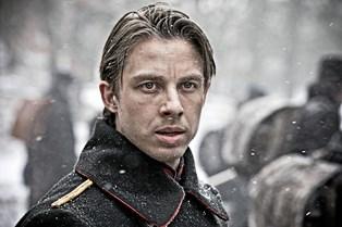 Johannes Lassen spiller leder af indsatsstyrken mod terror i Kanal 5's satsning. Selv frygter han det ikke
