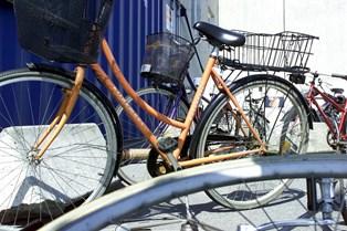 Brug for eksempel en ældre cykel, så du ikke frister tyven