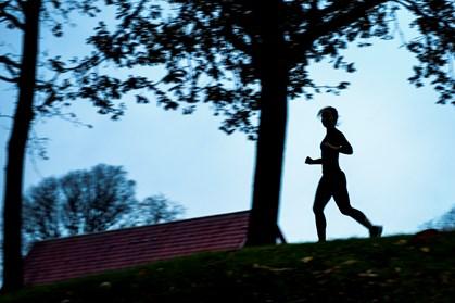 Orker du ikke træning i den mørke tid? Her er kuren mod efterårets løbekrise.