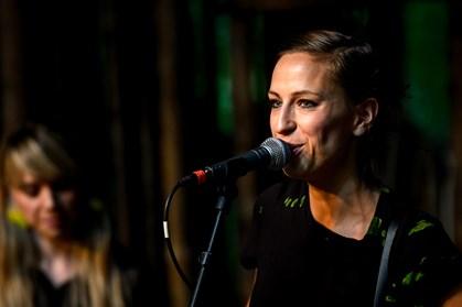 Sangerinden Mathilde Falch beskriver, hvordan musik hjalp hende til at blive rask og lægge anoreksien bag sig