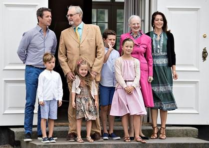 De små prinser og prinsesser pynter Frederik VIII's Palæ op til jul