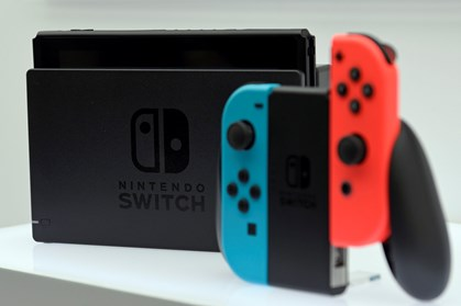 Nintendo har præsenteret Switch, som danskere kan få fat i 3. marts