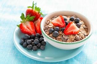 Morgenmad handler for langt de fleste om rutine. Enten gør du det stort set altid, ellers gør du det næsten aldrig. Blandt dem, der spiser morgenmad, er skålen populær, viser undersøgelse.