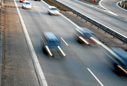 V foretrækker faste fotofælder frem for 100 mobile fotovogne, siger trafikordfører Kristian Pihl Lorentzen