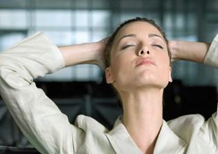 Slå arbejdsmailen fra, når du har fri. Arbejde udenfor arbejdstiden kan give dig helbredsproblemer.