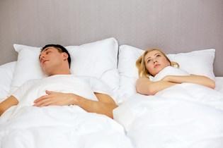 At spise en kost med et lavere saltindhold kan virke positivt mod søvnlidelse.