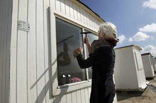Myterne om små trick og særlige sæbeblandinger er mange. Få husmorens og husholdningsøkonomens råd til effektiv vask af vinduer.