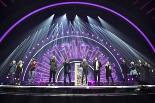 Melodigrandprix-deltagere har nerverne uden på tøjet før aftenens show.