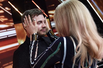 """Mike Beck var rørt til tårer, da han fredag aften måtte sige farvel til """"X Factor"""". Scanpix/Liselotte Sabroe"""