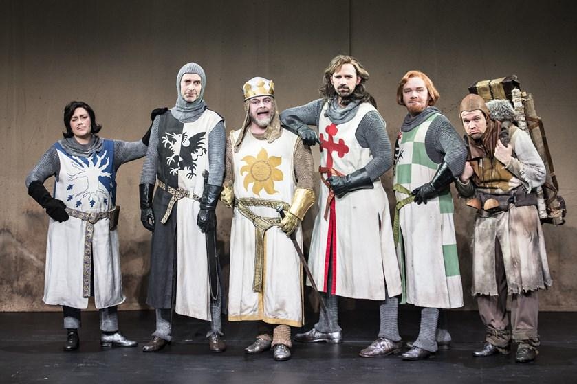 Den danske komiker har kastet sig ud i en musical, og det har givet knubs på selvsikkerheden.