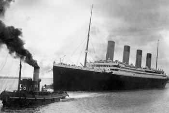 Titanic forlader havnen i Southampton på vej på sin skæbnesvangre jomfrurejse. Mere end 1500 mennesker døde, da skibet sank. Foto: Scanpix