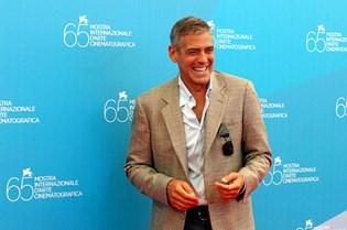 Der er dobbelt op på babylykken hos Hollywood-charmøren George Clooney, der senere på året bliver far til tvillinger.