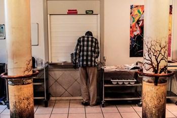 Kirkens Korshær står blandt andet for varmestuer, væresteder, herberger (som på billedet) og fixerum. Desuden rådgiver de socialt udsatte. Arkivfoto: Linda Kastrup/Scanpix 2016)
