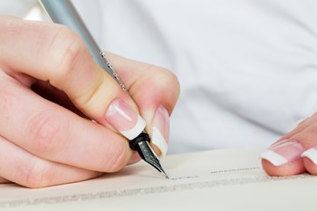 Danskerne kan nu gratis lave testamenter på nettet med den juridiske tjeneste TestaViva. Arkivfoto. Free/Colourbox
