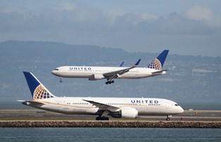 United Airlines ændrer på reglerne for overfyldte fly efter kritik oven på voldelig episode med passager