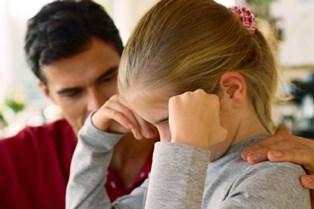 To psykologer giver råd til, hvordan du taler med og passer på dit barn, når kærlighedslivet går videre efter skilsmissen.