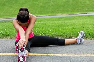 Squats og sprint sætter sig i stængerne efter en sveddryppende træningstime - og nogle gange så meget, at man føler, man nærmest ikke kan stå ud af sengen dagen efter.