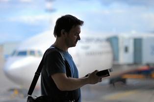 Uanset i hvor god tid man tager afsted hjemmefra, ender det næsten altid i kaos og stress, inden man rammer gaten og gør klar til at gå om bord på flyet.