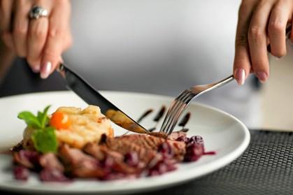 Maquibær, chiafrø og gojibær er bare nogle af de ting vi har skulle spise i de senere år, for vores sundheds skyld. I 2017 skal der grøntsager på yoghurten og ged på bordet. Se, hvilke 5 ting der bliver det nye superfoods i 2017