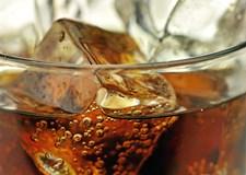 Colaens brusende bobler er et dagligt fix for mange. Men synes du selv, at indtaget er så stort, at du nærmest higer efter at få det intravenøst, er der heldigvis råd for at slippe ud af overforbruget