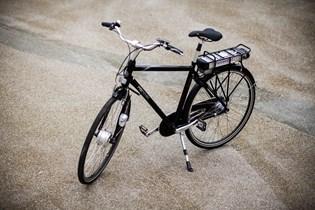 Mange cyklister oplever, at batteriet på elcyklen står af før tid. Men du kan selv vedligeholde batteriet for at minimere risikoen for dyre reparationer.