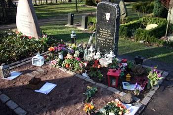 Sangerinden Natasja Saad døde i et færdselsuheld på Jamaica i 2007. Her ses hendes gravplads på Assistens Kirkegård på Nørrebro i København. Foto: Scanpix/Brian Bergmann